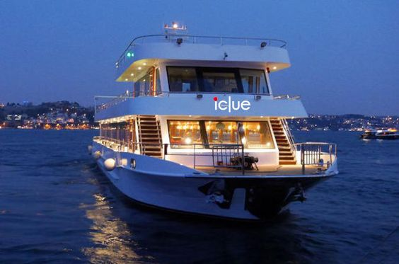 having romantic dinner on luxury yacht Bosphorus cruise