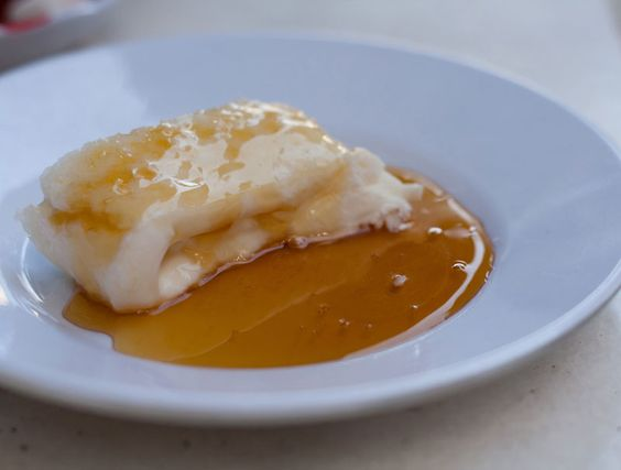 Kaymak and honey Turkish dessert
