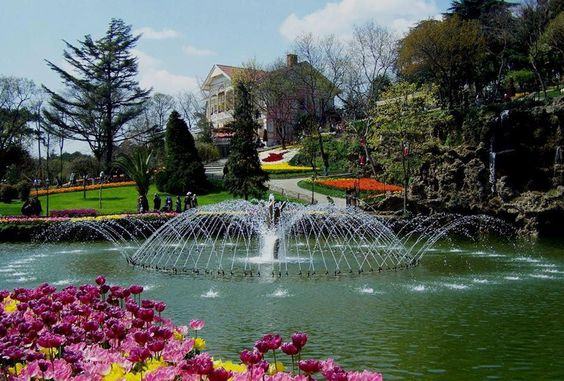 beautiful water feature in Emirgan park