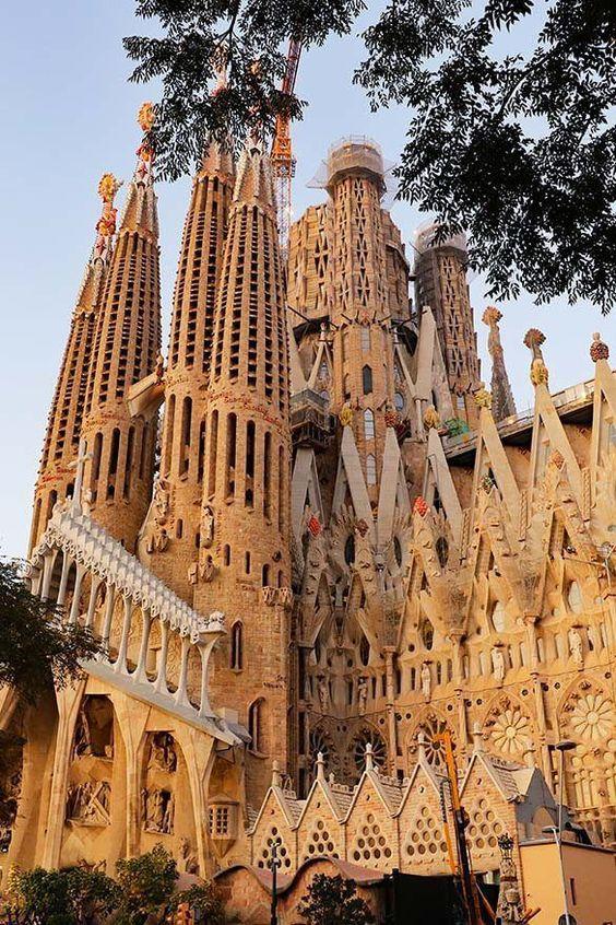 La Sagrada Familia the art from Gaudi